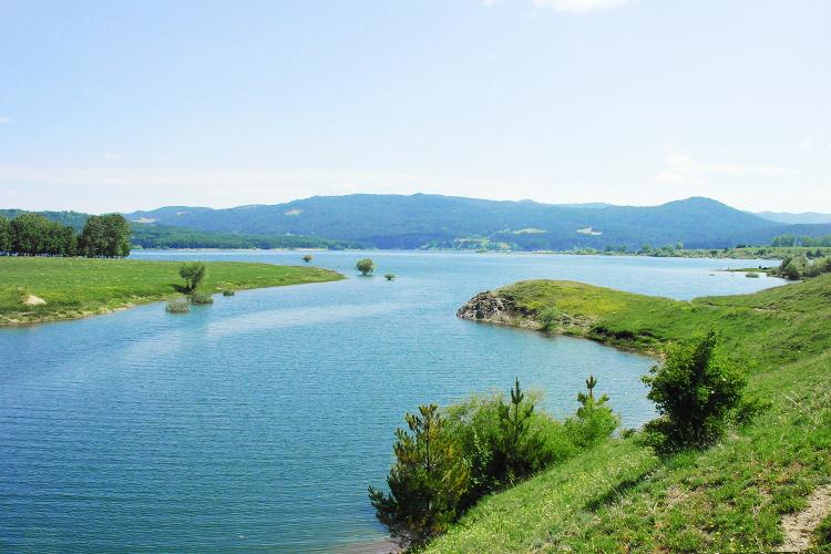 Cecita Lake - Italian Traditions