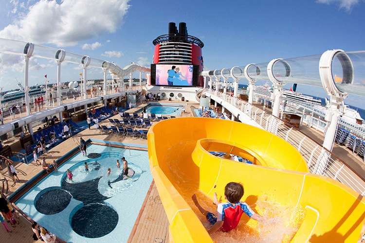 How's life on board of cruise ships - italiantraditions