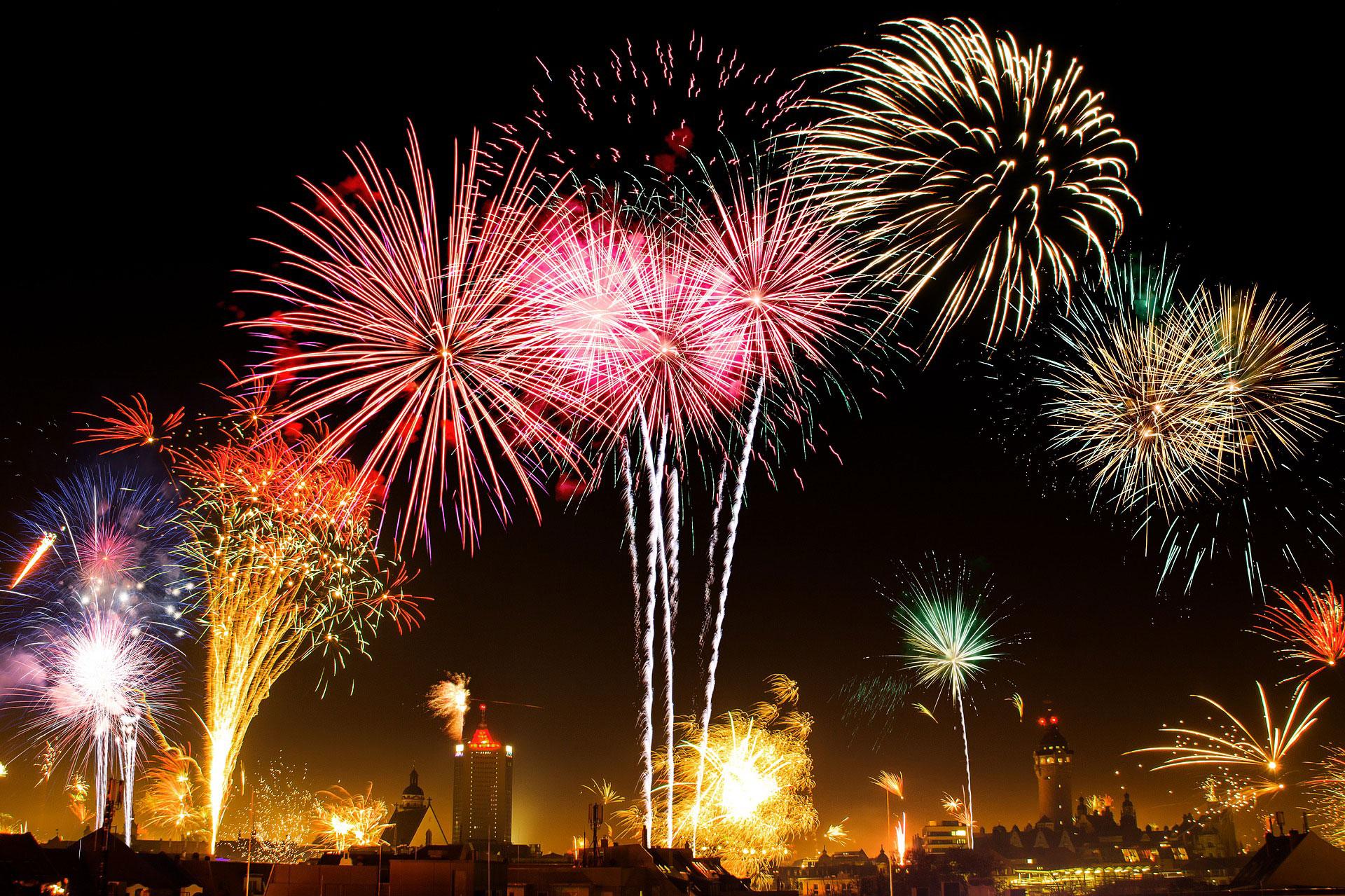 Cosa fare a Capodanno, What to do at New Years Eve, Qué hacer en Nochevieja, Was kann man an Silvester in Italien machen? 5 fantastische Ideen, jour de l'An en Italie