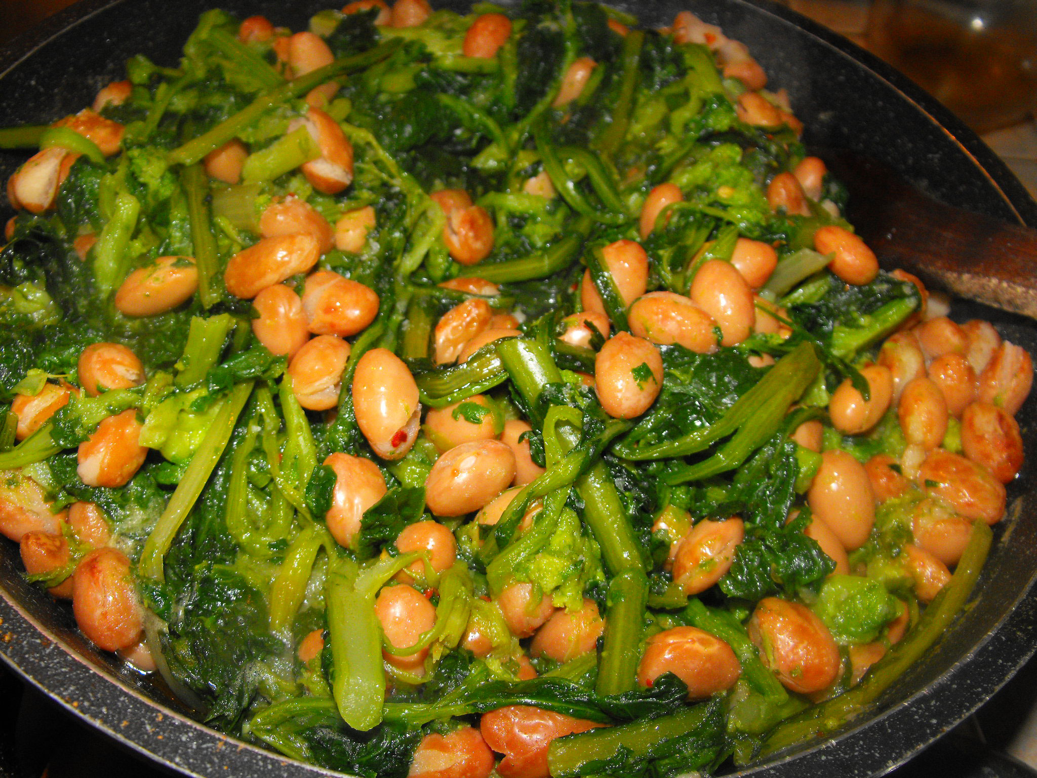 Rape e fagioli, Turnip greens and beans, Nabos con judías, Ruben und Bohnen, Navets et haricots