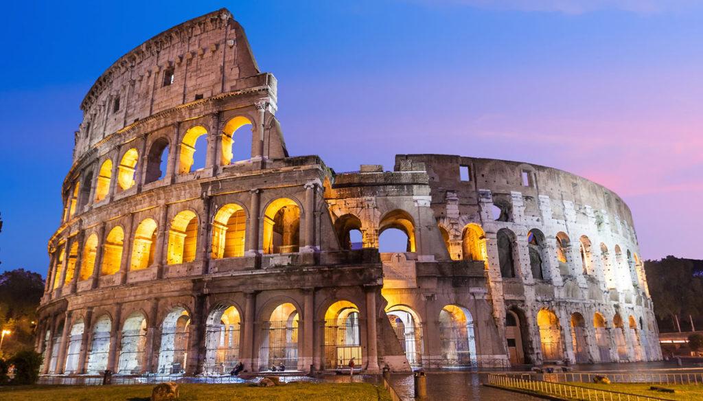 ColosseoRoma-italiantraditions