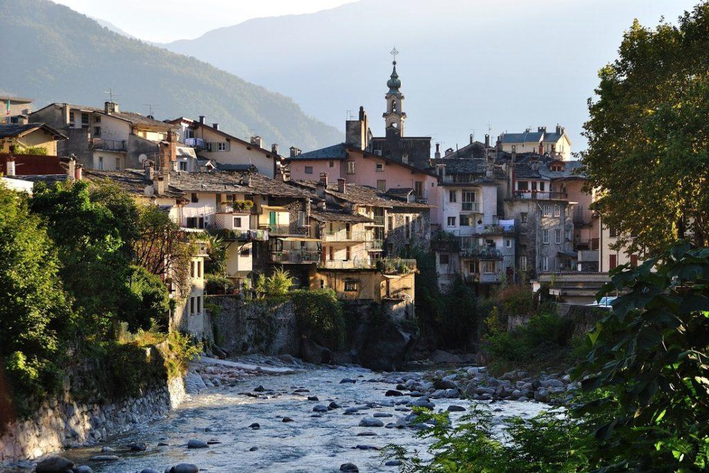 Chiavenna-italiantraditions