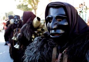 Mamoiada , maschere , carnevale - Mamuthones