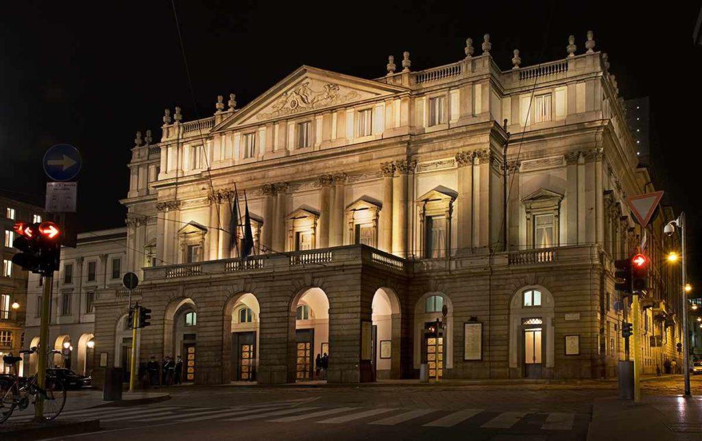TeatroAllaScala-italiantraditions