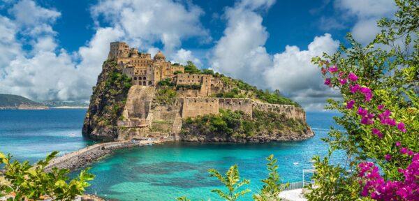 1castello ischia-italiantraditions