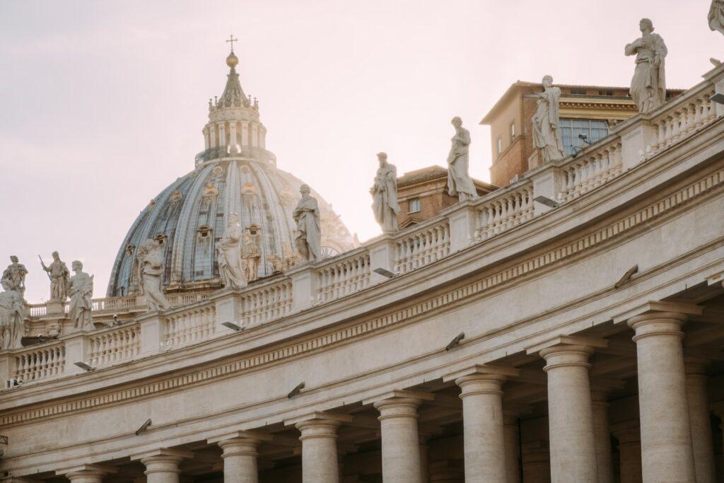 cupola colonnato-italiantraditions